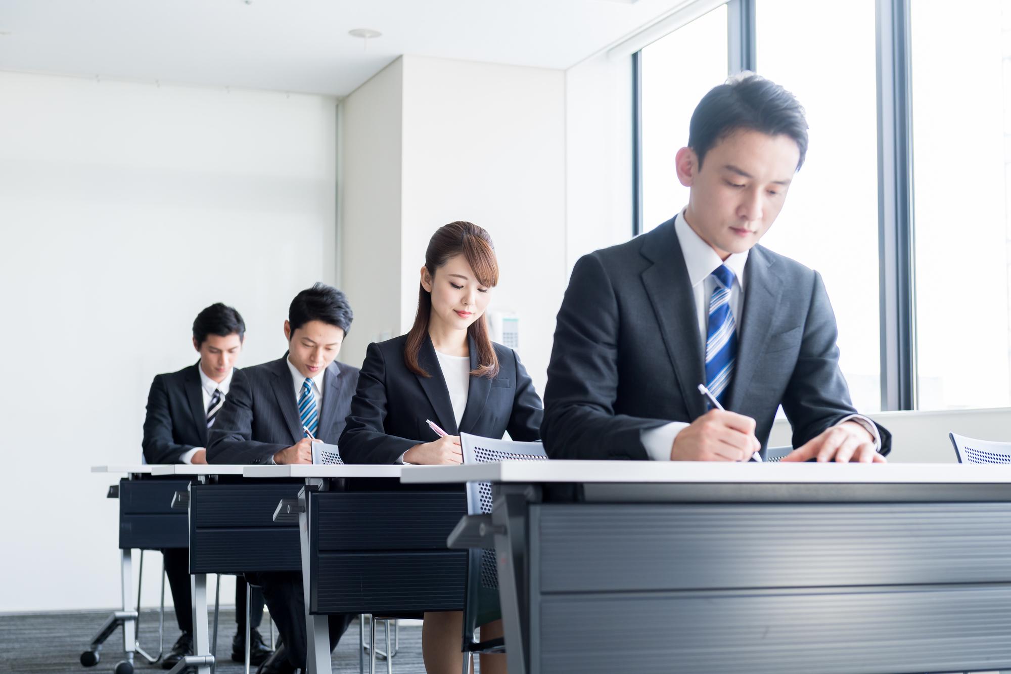 就活の筆記試験で落ちないための対策方法!